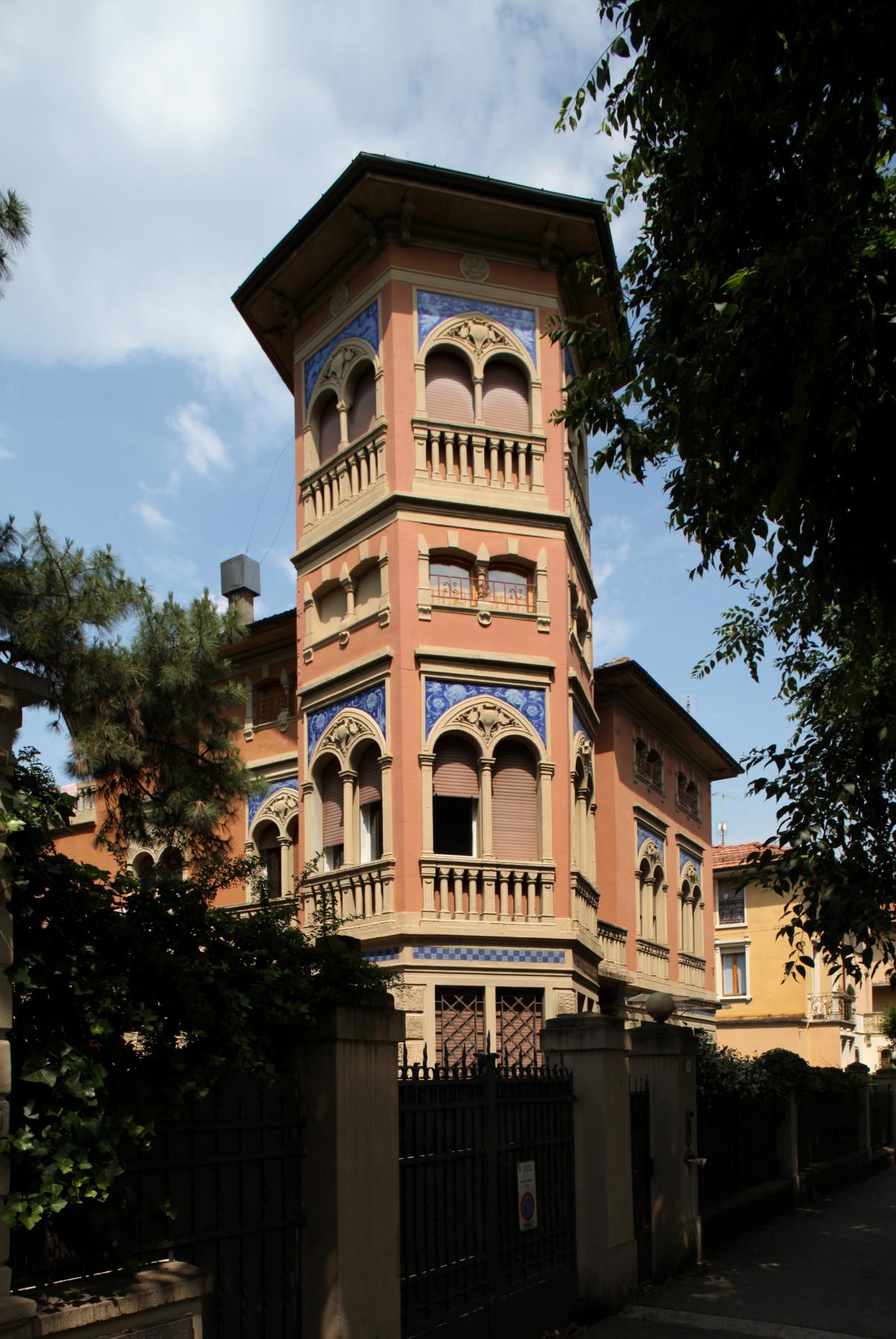 Bologna. Itinerario dell'architettura Liberty. Villa in via Audinot 29.