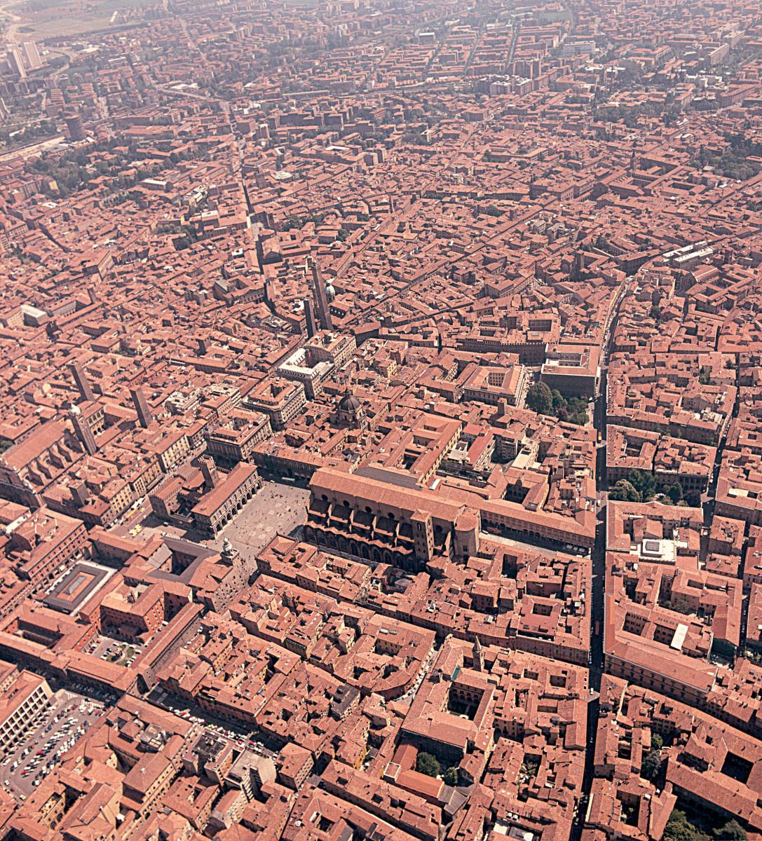 Bologna-veduta-aerea