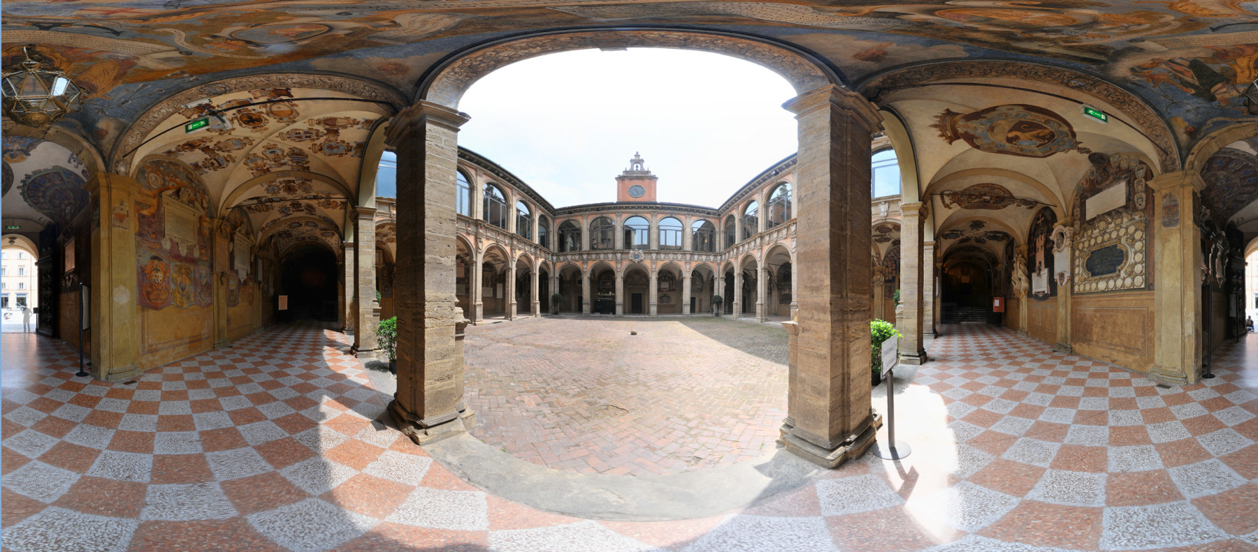 1)_archiginnasio_cortile_L